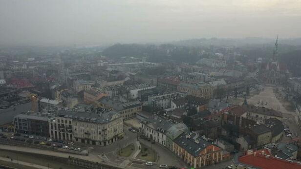 Smog szkodzi i straszy, teraz problemem mogą zająć się sądy  TVN24