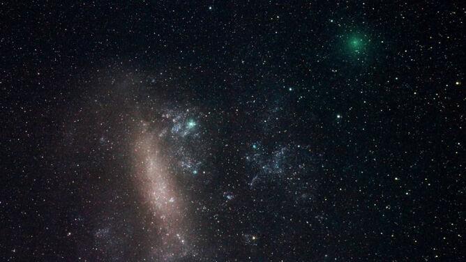 Pierwsza kometa minęła już Ziemię. <br />Następna jest tuż za nią