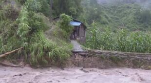 Chiny zmagają się z powodziami
